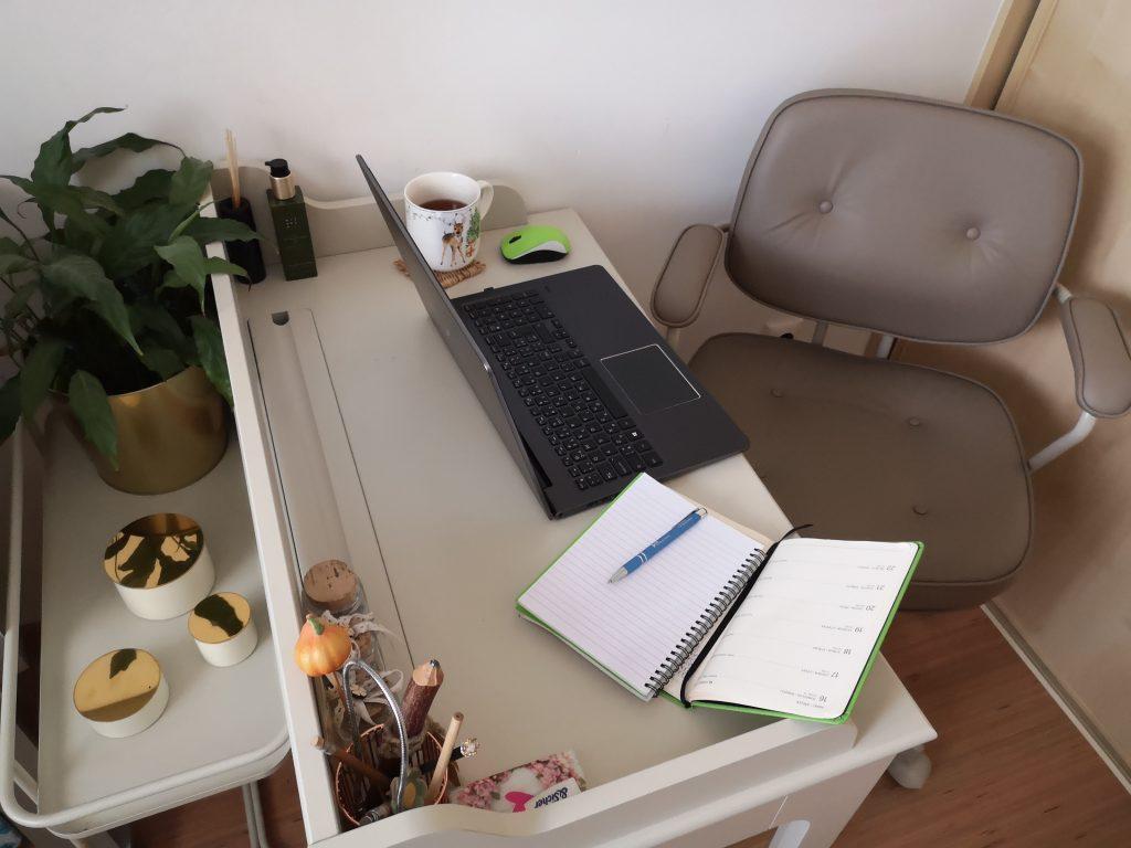 Myslíte si, že ste na HOME OFFICE? Omyl, ste na HOME STRESS.